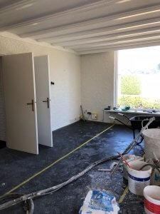 Raapwerk verricht door stukadoor Bergeijk in een woningsrenovatie in Bergeijk