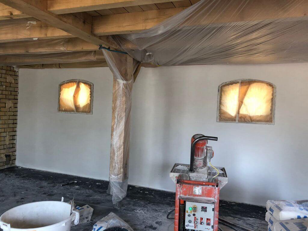 Stucwerk geplaatst in een woning in Bergeijk