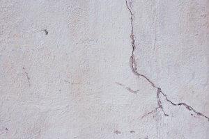 Scheuren in stucwerk tijdens drogen